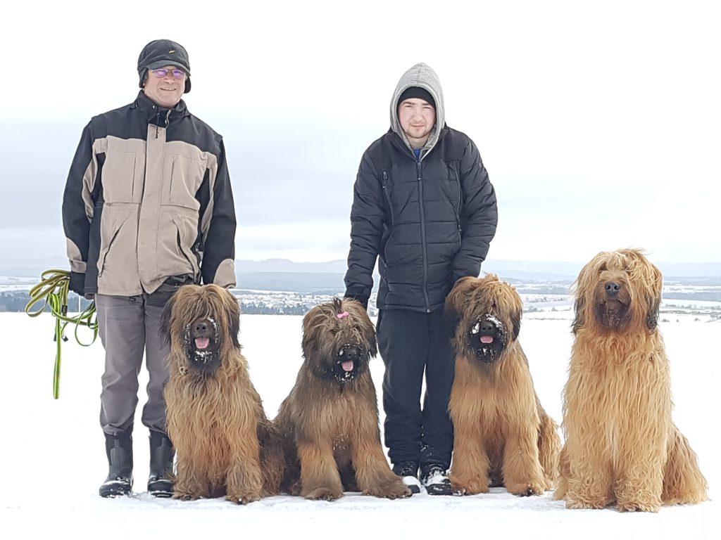 Jürgen und Matthias mit 4 Hunden